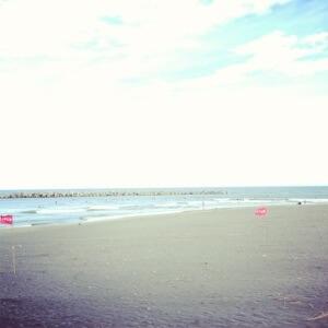 昨日はオフだったので千葉北で友人達とサーフィンしました。