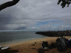 今日のボウルズです。小波、曇り、でも風なし!