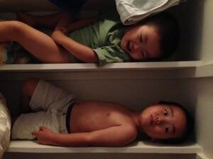 パパ、今日から僕たちここで寝るね!