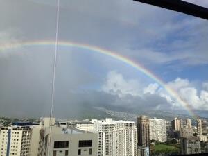 Windsor theの屋上、スカイテラスから。大きな虹が!