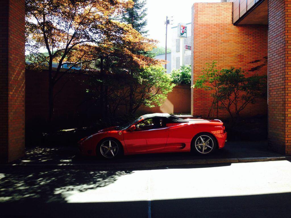ハワイで大家:真っ赤なフェラーリ。札幌大家さん、Iさんに乗せてもらいました。最高!