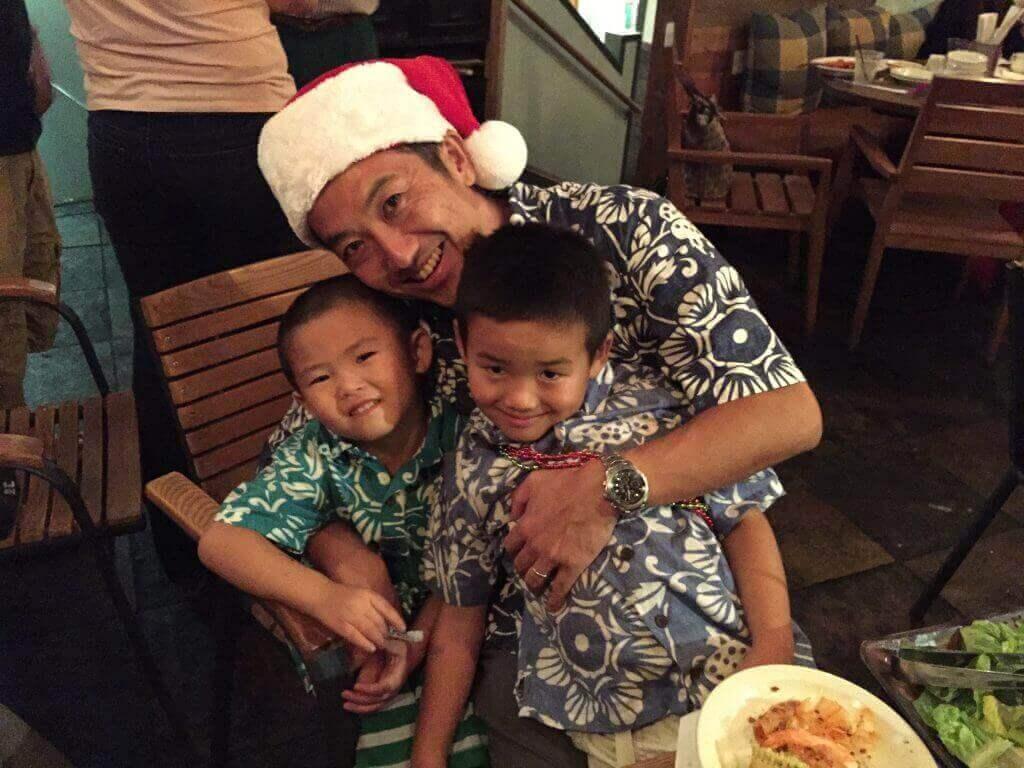 ハワイで大家:サチハワイクリスマスパーティ2014@Goofy Cafe メンズ3人で参加しましたー。