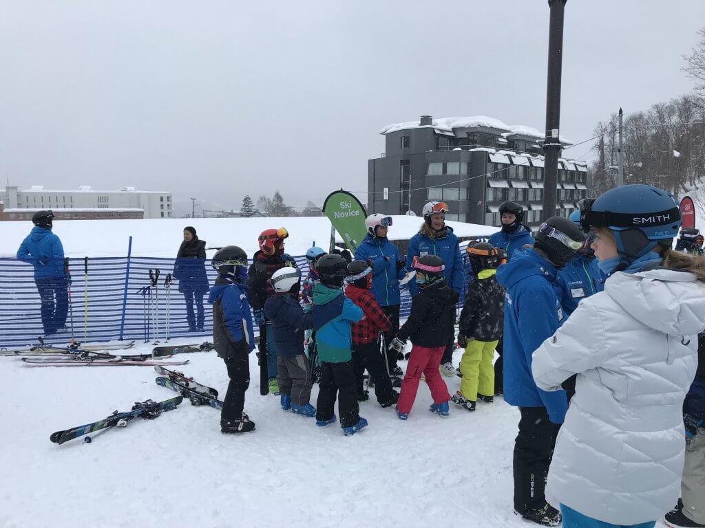 ハワイで大家:ニセコ・スキー2018 レッスン開始を末次男たちキッズ