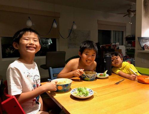 1歳半でハワイに移住した次男が昨日8歳に。今日は彼の話をします。
